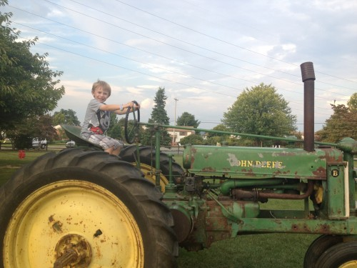 Donaldson Farms offers exciting activities and fun educational hayrides!