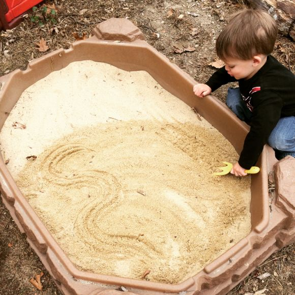 5 Brain Boosting Ways to Use a Sandbox | Mommy University