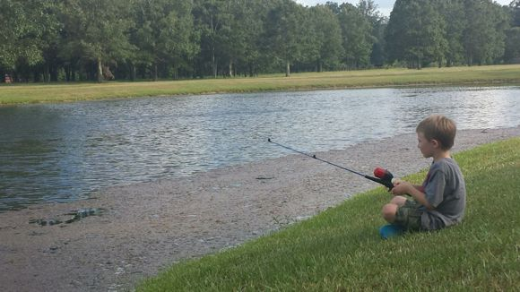 While fishing, children must learn to be patient and not give up quickly!