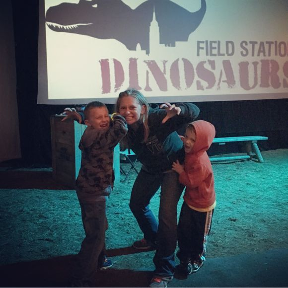 family-fun-at-dinosaurs-after-dark