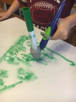 air-marker-sprayer-christmas-tree