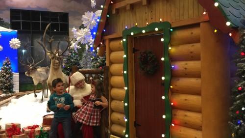 Santa's Wonderland Inspires Children at Bass Pro Shops | Mommy