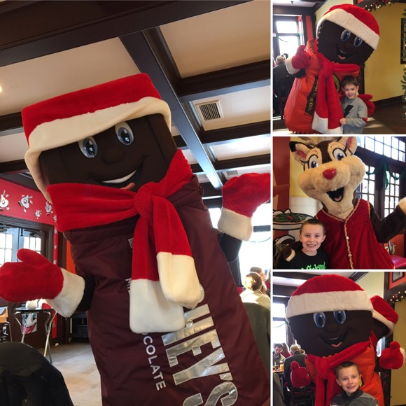Roaming Characters at Hersheypark Place Breakfast with Santa