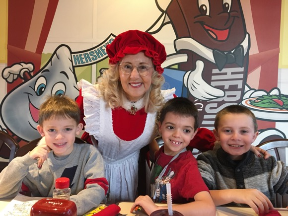 Mrs. Claus at Hersheypark Place