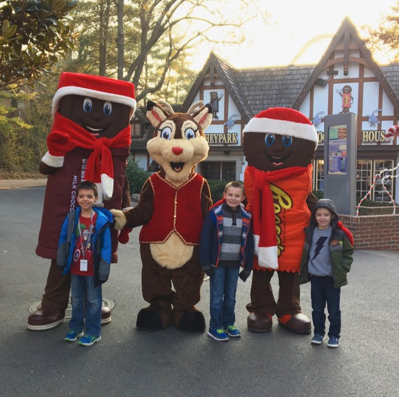 Meeting Characters at Hersheypark