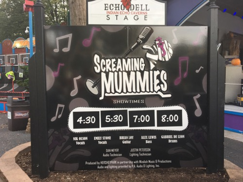 Screaming Mummies at Hersheypark at the Dark
