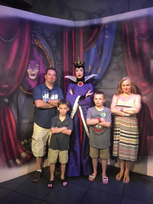 Evil Queen at Story Book Dining